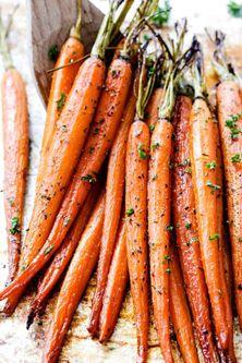 Honey-Garlic-Roasted-Carrots-9.jpg